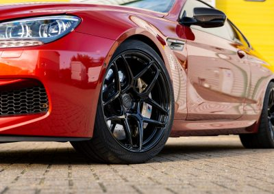 BMW M6 + 20″ Emblem