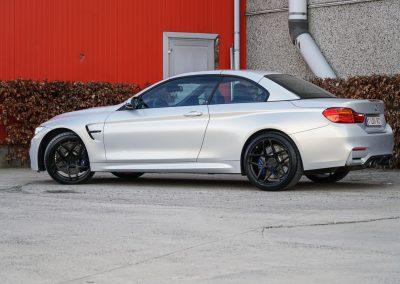 BMW M4 + Emblem